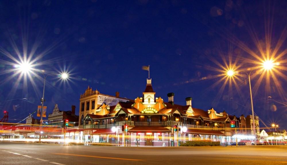 kalgoorlie by night