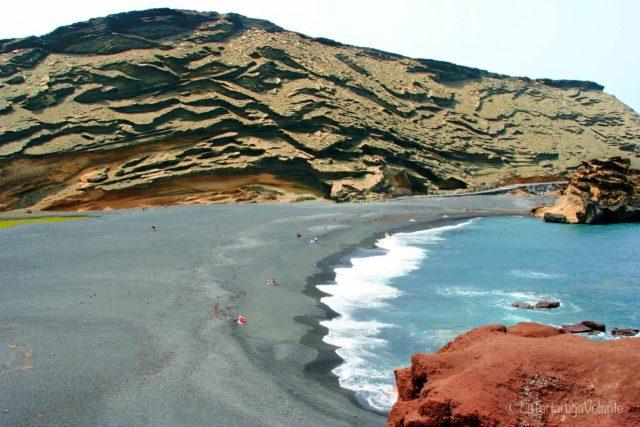 Curiosità su Lanzarote. spiaggia nera