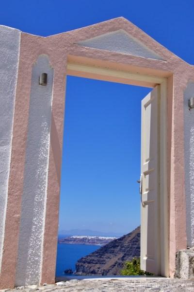 Santorini, porta rosa