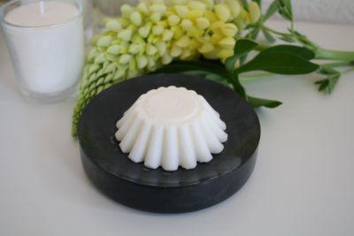 a fresh and invigorating fragrance oil