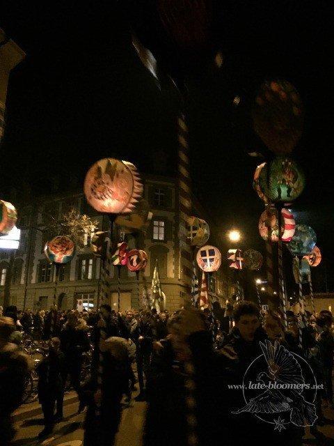 Vogel Gryff and lanterns