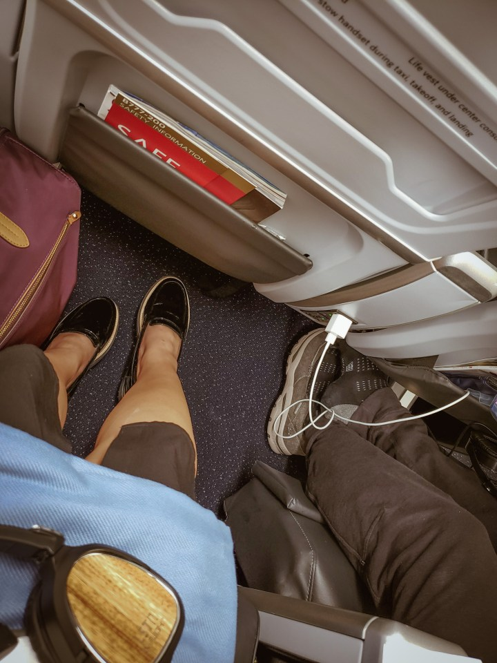 Delta Premium Select Leg Space - Late BY lattes