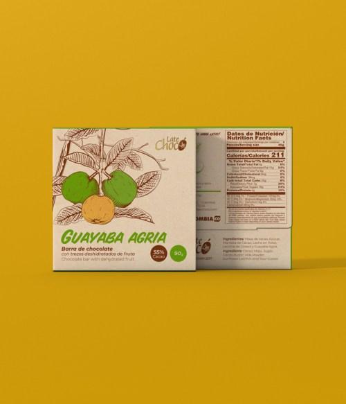 Chocolate con leche y guayaba agria deshidratada