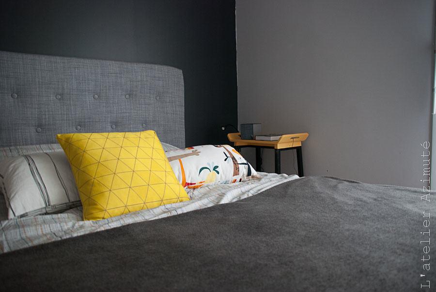 une chambre moderne en gris et jaune
