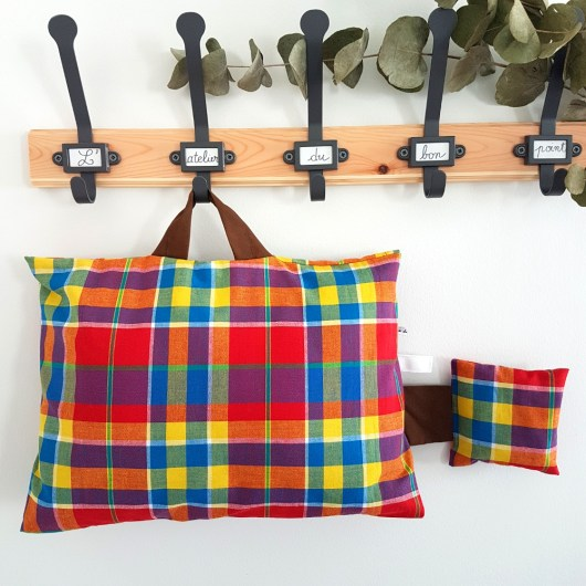 Coussin sieste maternelle madras