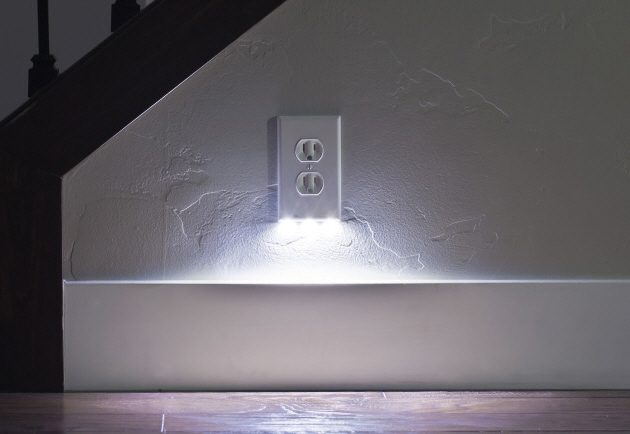 Snappower Guidelight Outlet Wall Plate With Led Night Lights