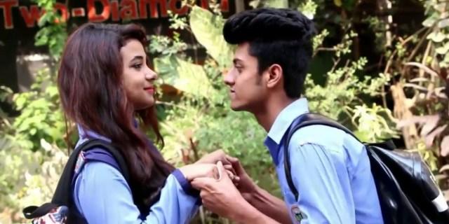 School Love Story In Hindi
