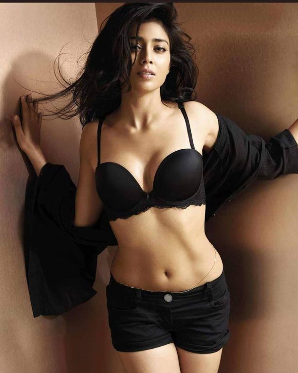 shriya saran in bikini