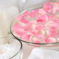 Uses Of Rose Water To Make Your Hair Healthy