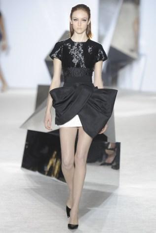 GIAMBATTISTA VALLI Haute Couture S:S 2014 Paris 12
