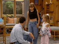 Crop top and boyfriend jeans.