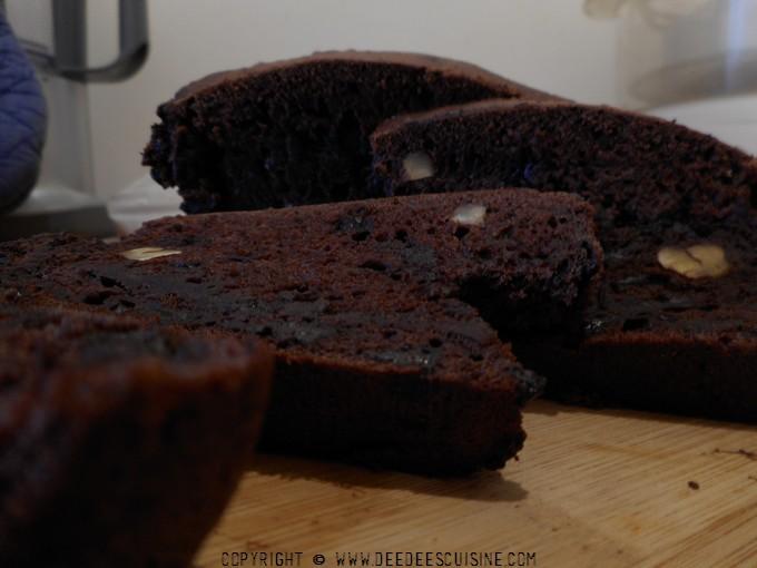 Banana bread aux noix et chocolat: Recette végane