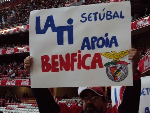 LATI Apoia O Benfica No Estádio Da Luz