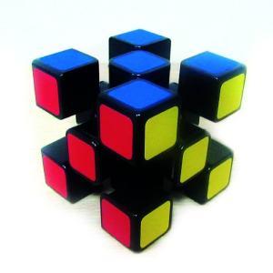 Edgeless cube