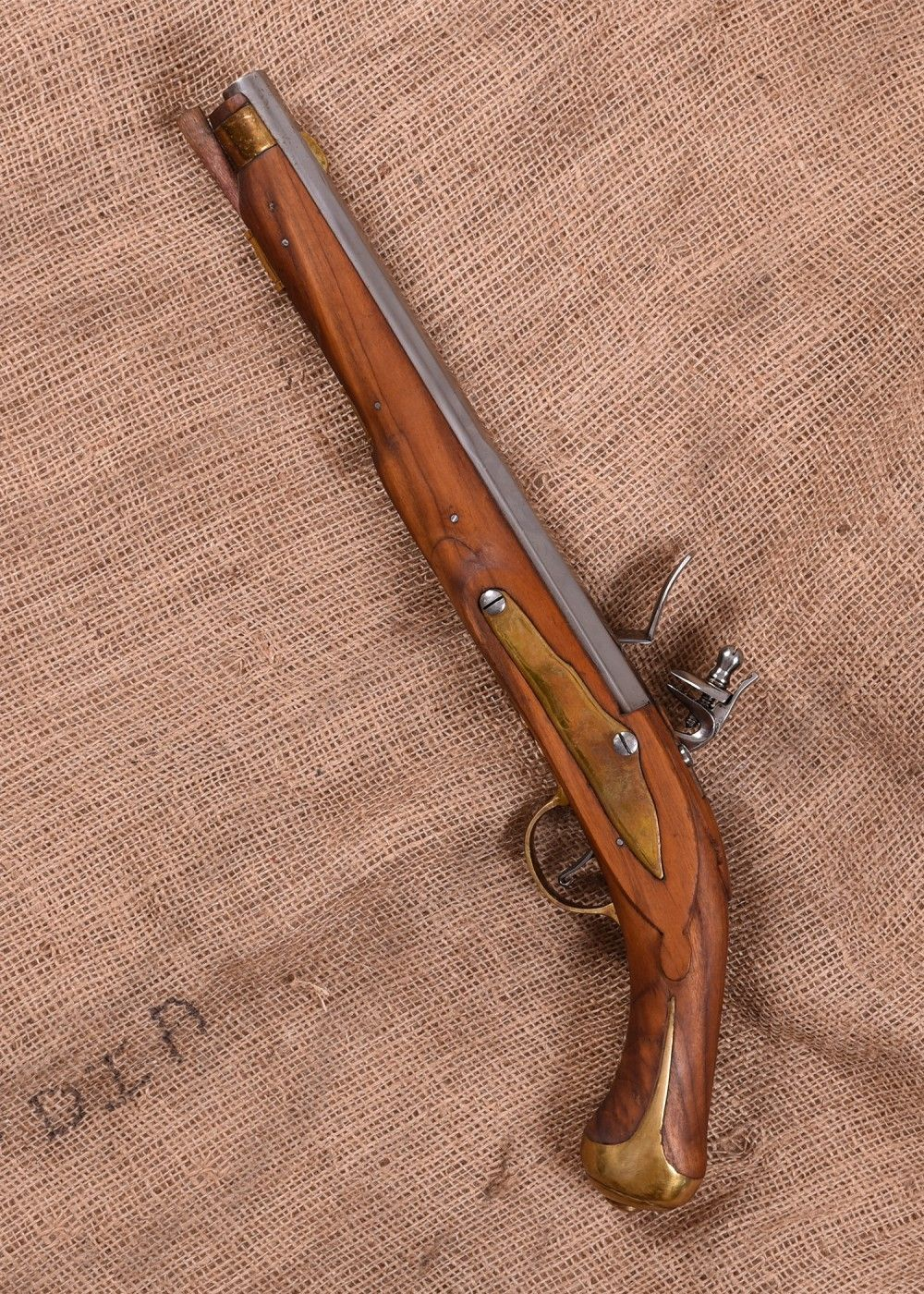 tienda_tercios_pistola_cierre_pedernal_siglo_XVII-XVIII_2
