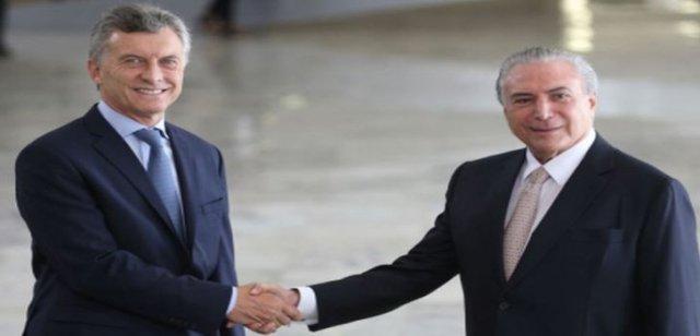 Präsident Mauricio Macri wird von Amtskollege Michel Temer empfangen