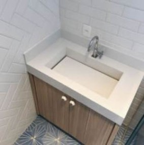 Bancada de banheiro com cuba esculpida