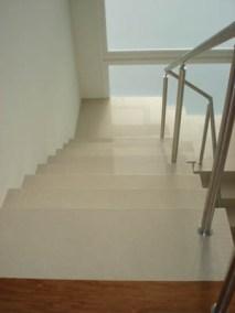 Escada em porcelanato