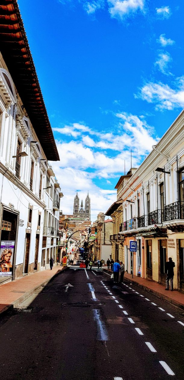 Quito Old Town and Teleferico day tour