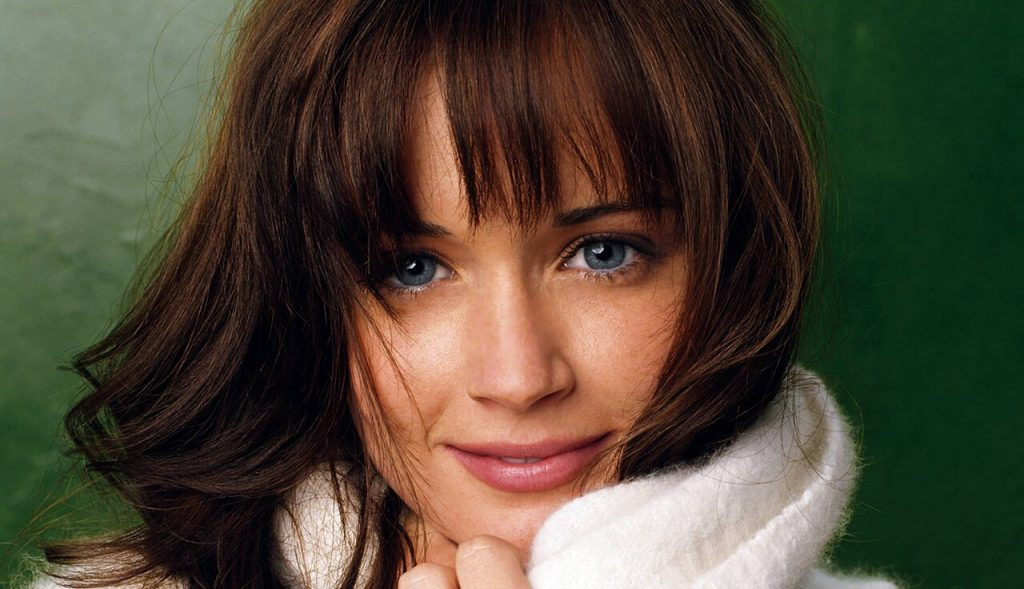Celebrity Beauty Latina Alexis Bledel
