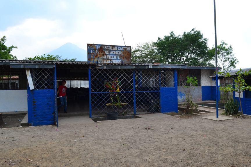 Centro escolar Efrain's classrooms