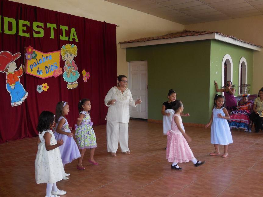 Cordelia and the children dancing