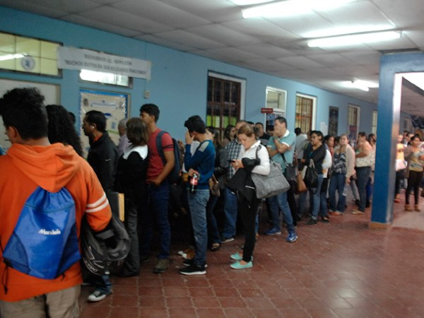 """In The Last Years, Teaching Has Become One Of The Most Dangerous Jobs In Honduras."" Teachers flood offices requesting transfers."