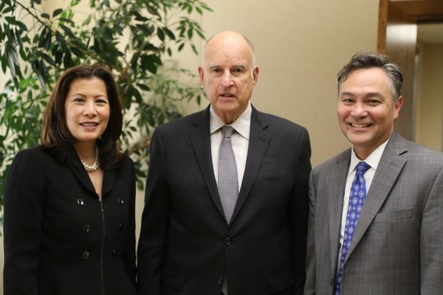 governor brown signs