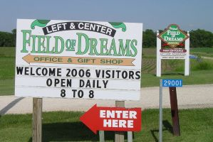 Field of Dreams (Photo by Madmaxmarchhare of English Wikipedia)