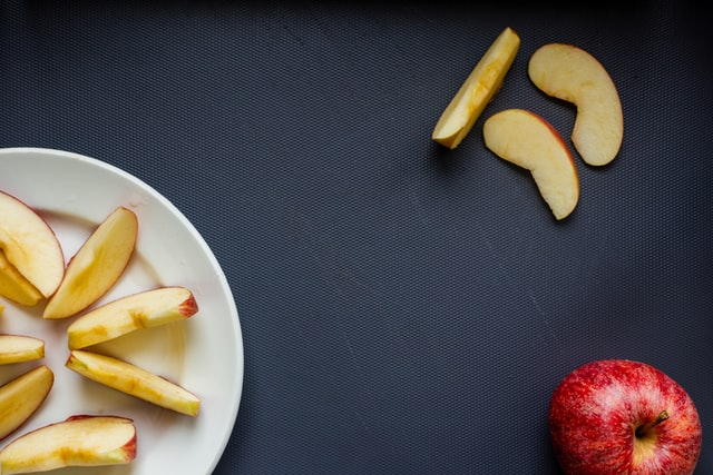 apples, snacks to boost productivity
