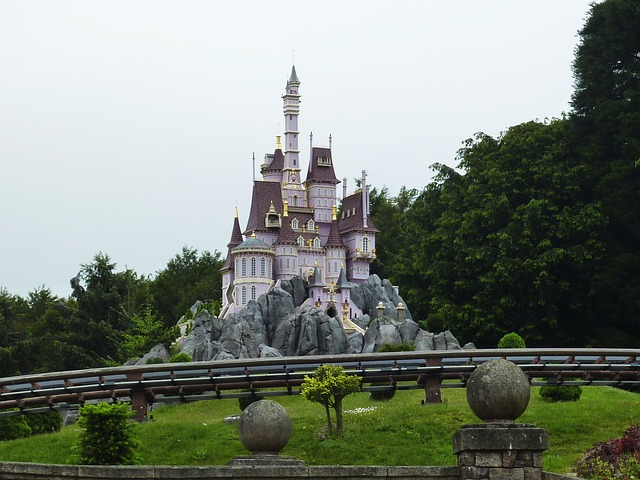 mother-daughter-trip-visiting-disneyland-paris