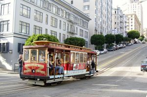 cable-car-san-francisco-latinas-travel