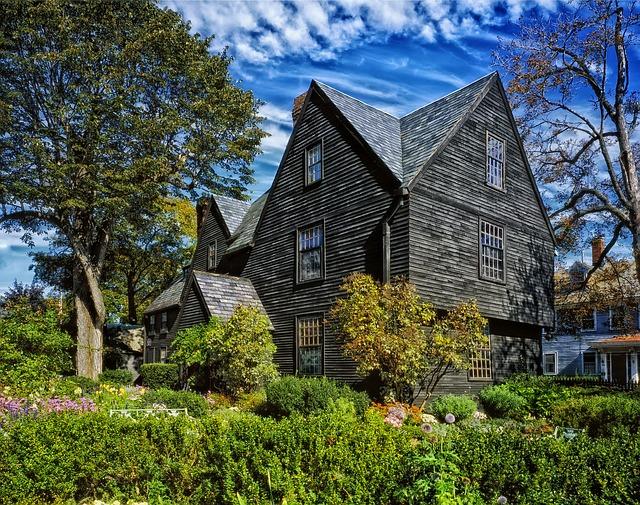 halloween in salem massachussetts - house of seven gables