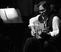 Al Di Meola - TD Toronto Jazz Festival 2015 04