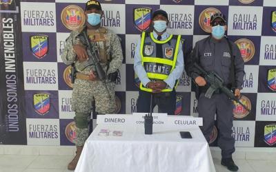 Asegurado agente de tránsito en Buenaventura por supuestamente exigir dinero a un ciudadano para no imponerle un comparendo.