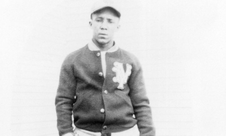 Star shortstop Horacio Martinez, a Santo Domingo native who played for the Negro Leagues' New York Cubans in the 1930s.
