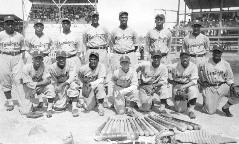The 1937 Águilas Cibaeñas of Santiago.