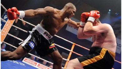 Photo of Heavyweight Contender Oscar Rivas Battles Jeremy Bates