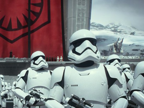 daniel-craig-stormtrooper-star-wars-force-awakensWEB