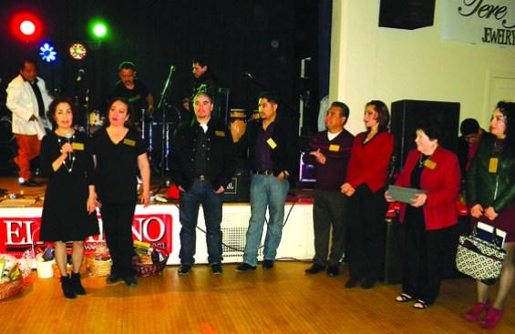 El Comite de la Asociación de Comerciantes del Eastside, realizaron un evento de cena-baile el pasado 27 de diciembre en SB, para recaudar fondos para Juanita. Más de 200 personas asistieron./EL LATINO