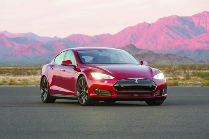 Tesla-Model-S-P90D-front-three-quarter-02-W