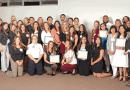 V. College entrega becas / V. College gives out scholarships