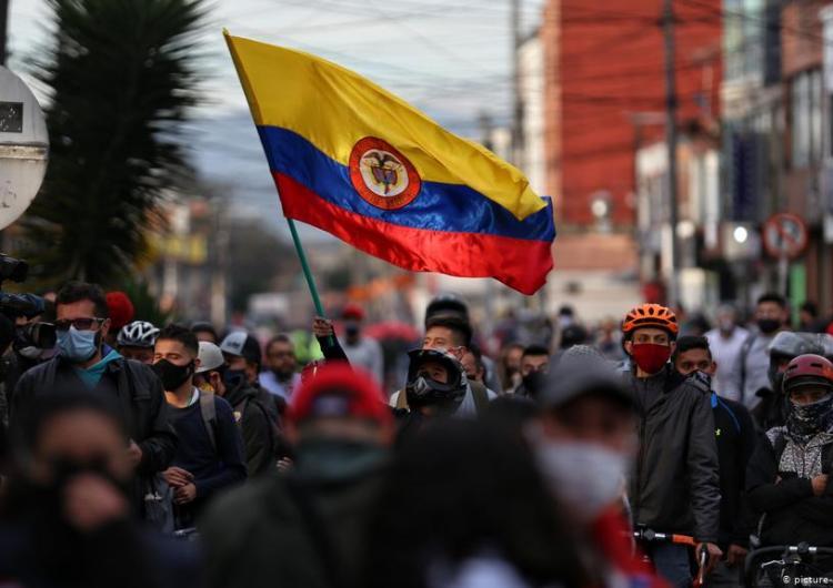 Canadienses-colombianos indignados por la falta de cobertura de los medios sobre la violencia estatal