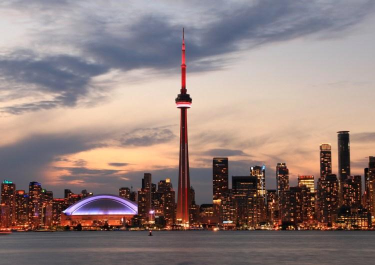 La CN Tower volverá a abrir al público después de casi 10 meses cerrada
