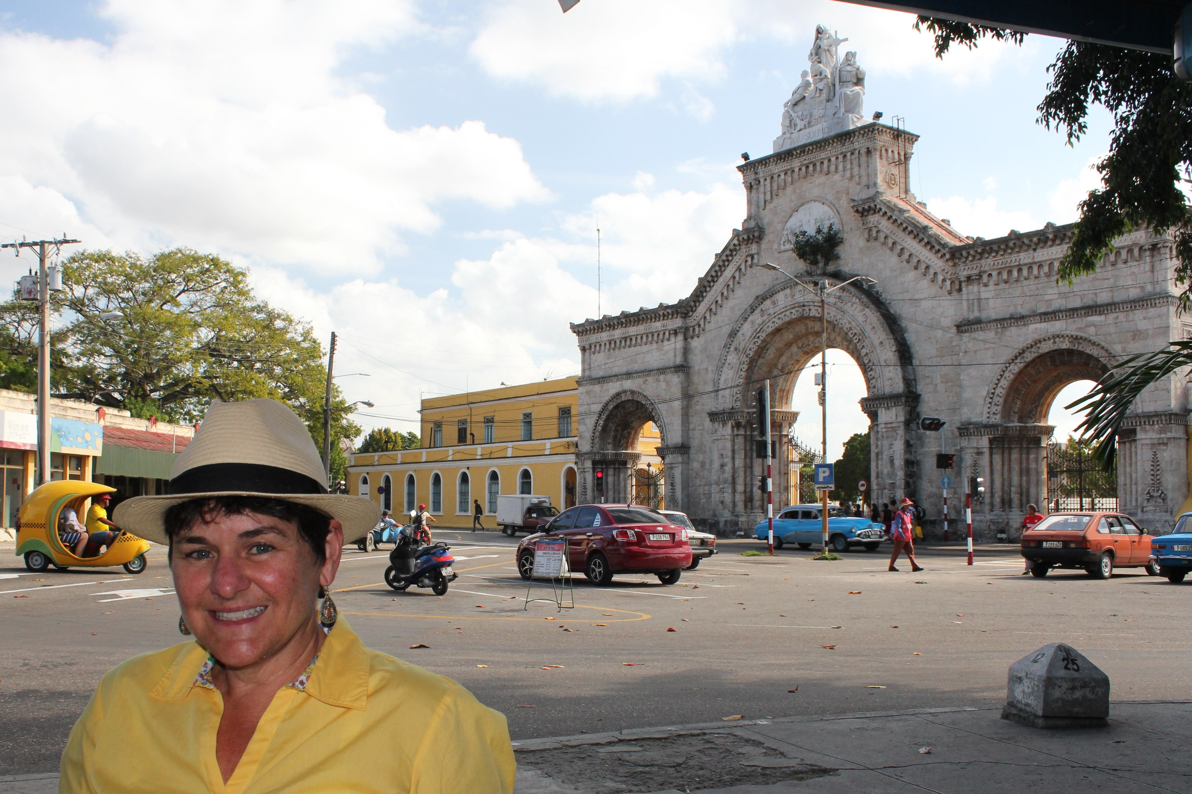 outside_entrance_colon_cemetery_havana Havana has cemetery stories, too Cuba