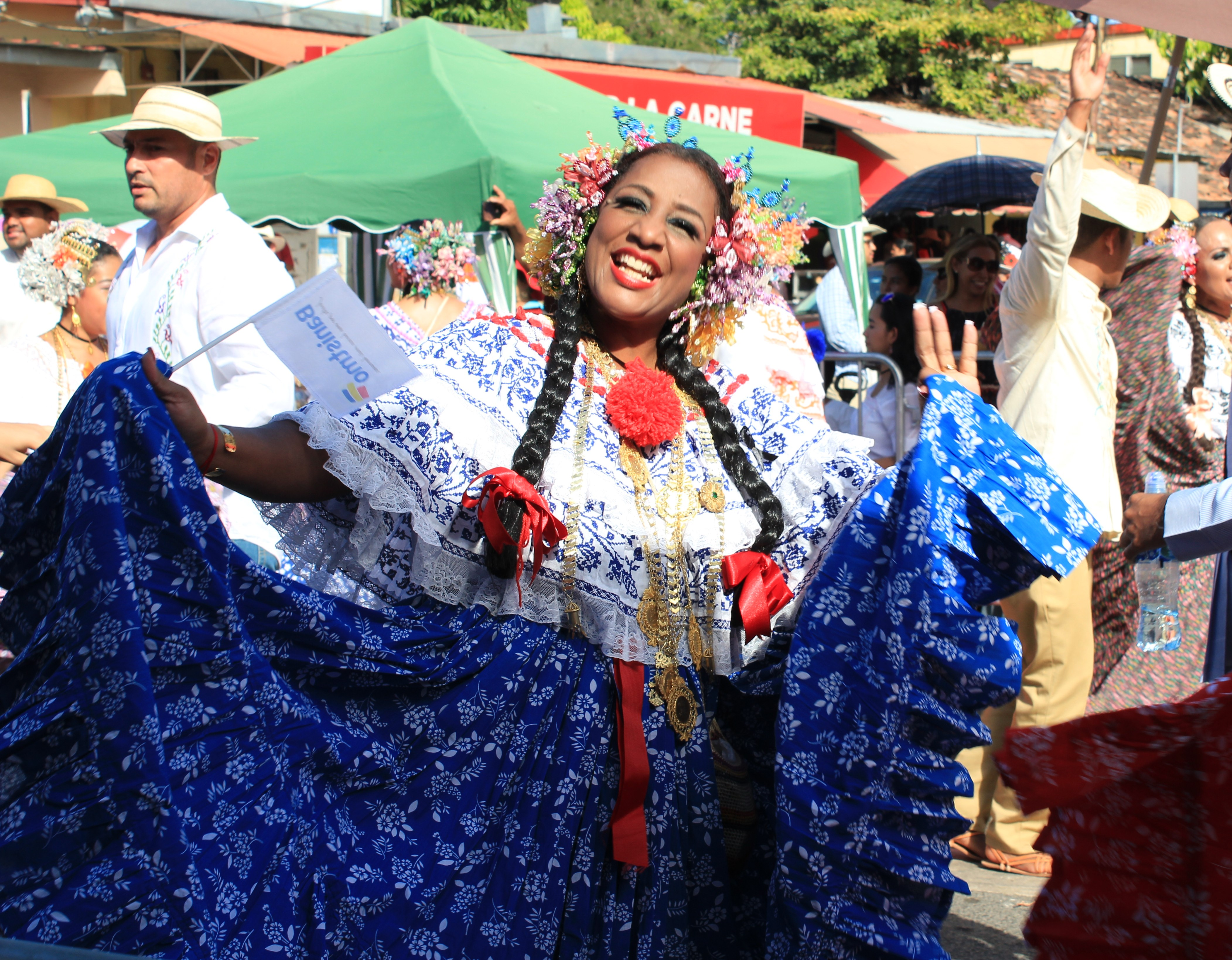 lovely-pollera-9 A Panama Road Trip Panama Panama Fairs and Festivals