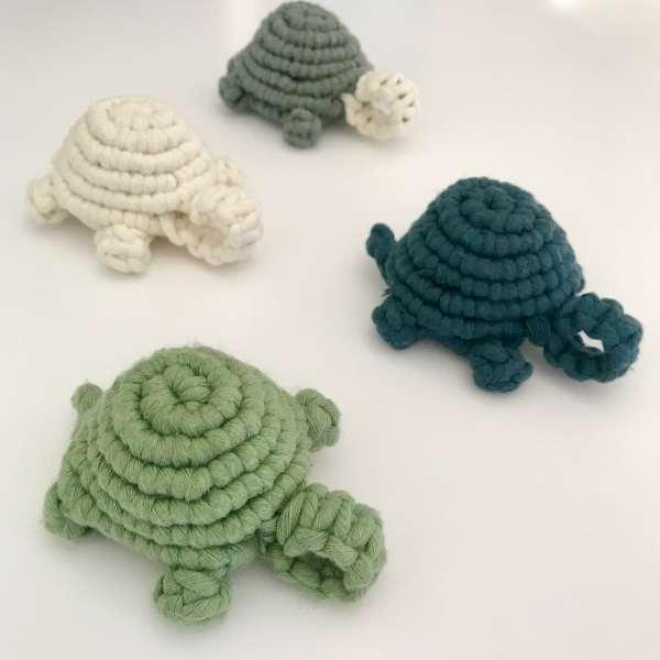 tortues en macramé en coton recyclé artisanale fait main