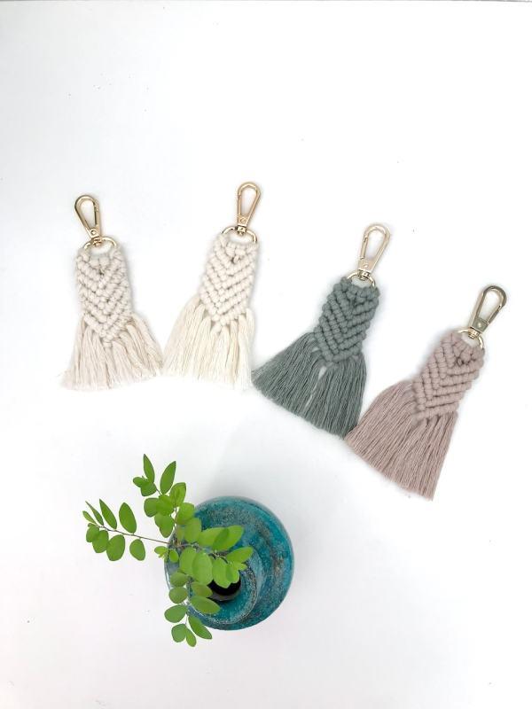 Porte-clés en macramé bohème fabrication artisanale à La Réunion