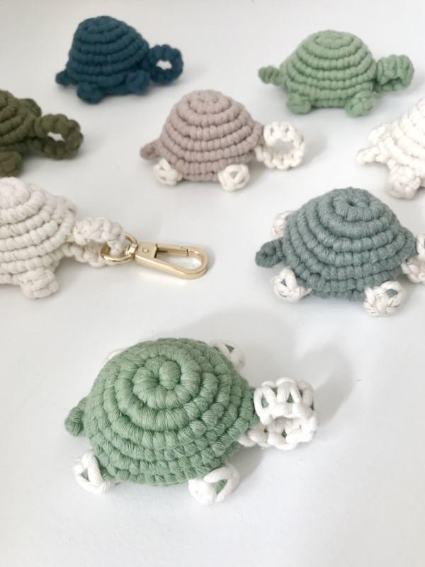 tortue en macramé en coton recyclé artisanale fait main