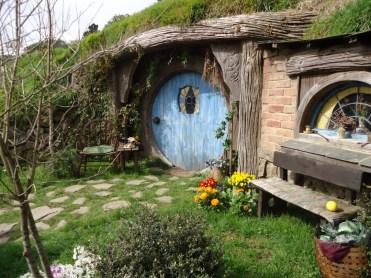 Hobbits... Hobbits everywhre!